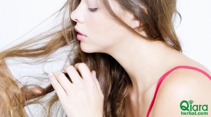 cara merawat rambut bergelombang dan kering